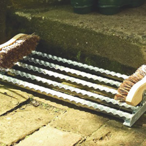 "20 x 12"" Galvanised boot scraper mat and side brushes"